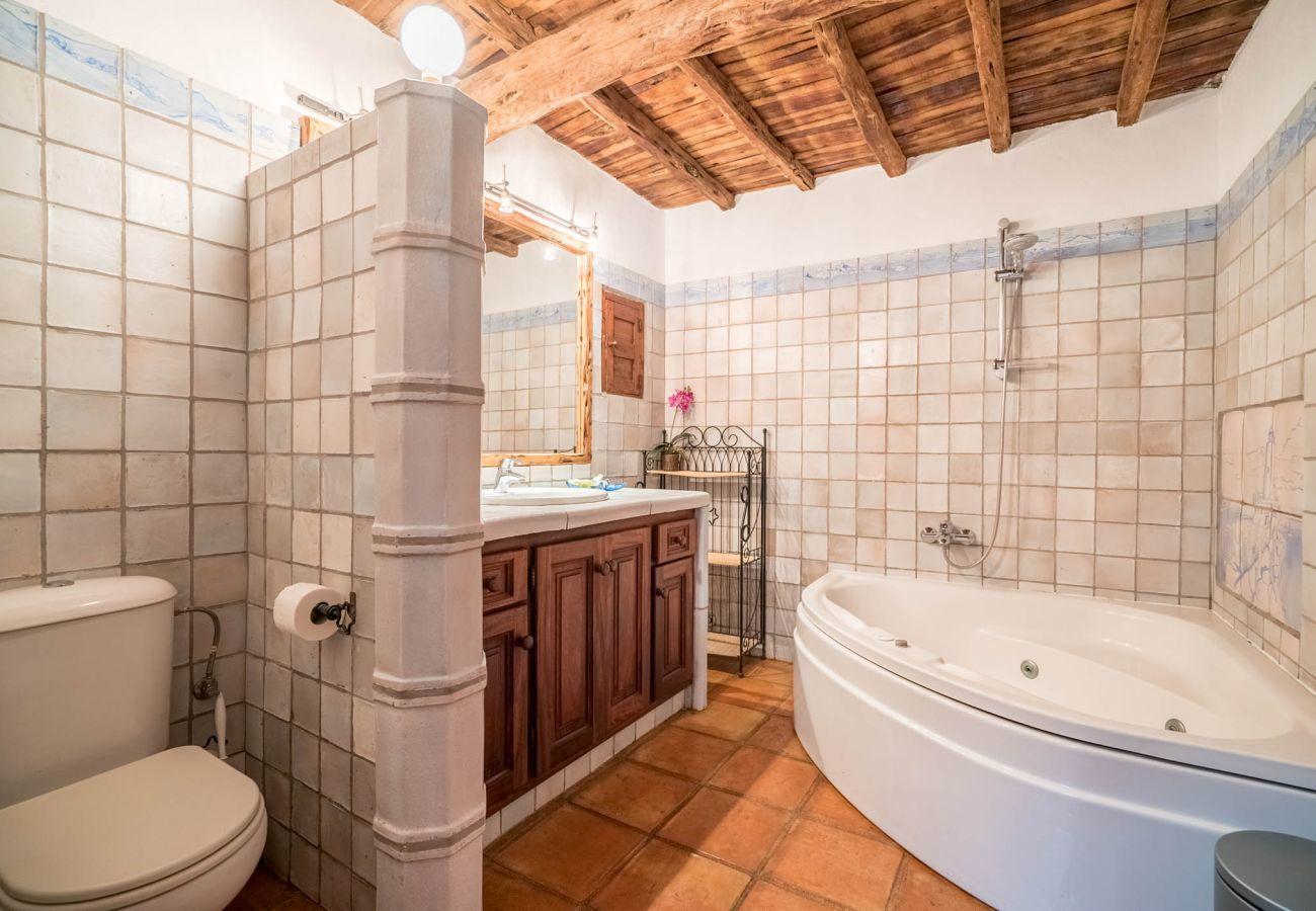 Landhaus in San Agustín / Sant Agustí d´ es Vedrà - CAN WOD