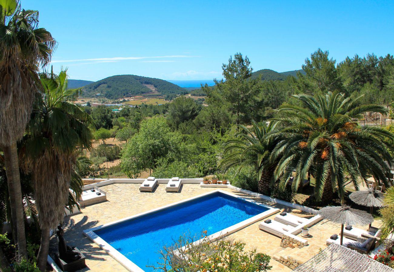 Villa in Ibiza-Stadt, ideal für Hirsch