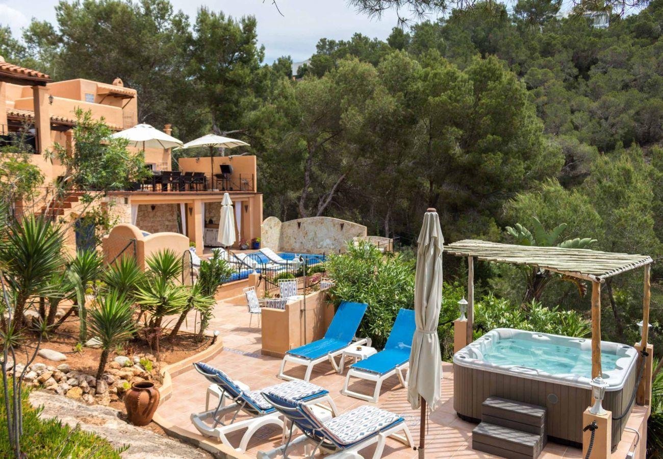 Jacuzzi in Casa Capricho auf Ibiza