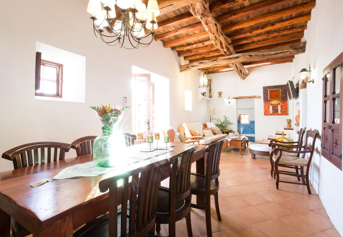 Villa in Santa Eulària des Riu - VILLA CANSERES