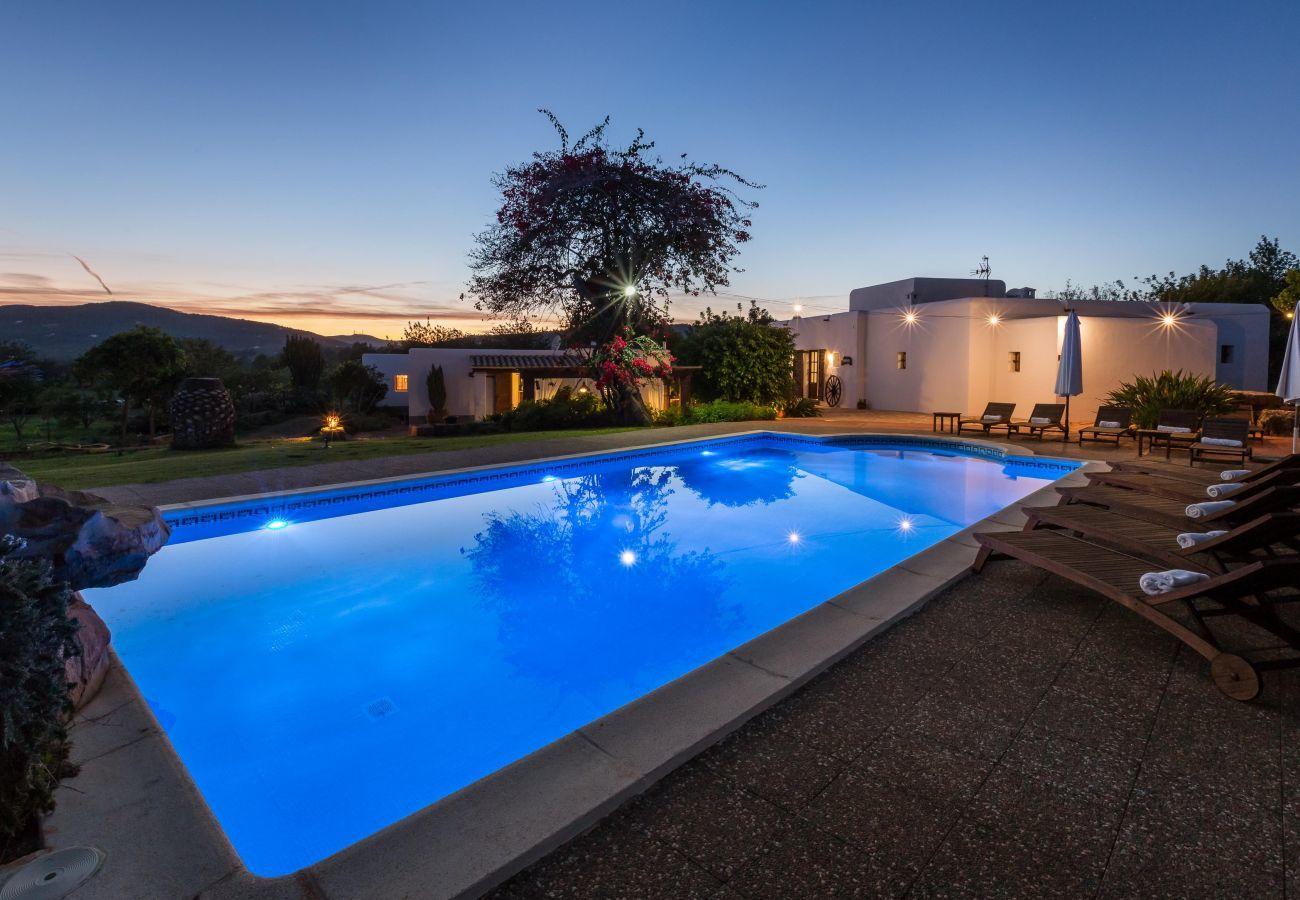 Schwimmbad der Villa Canseres in Santa Eulalia