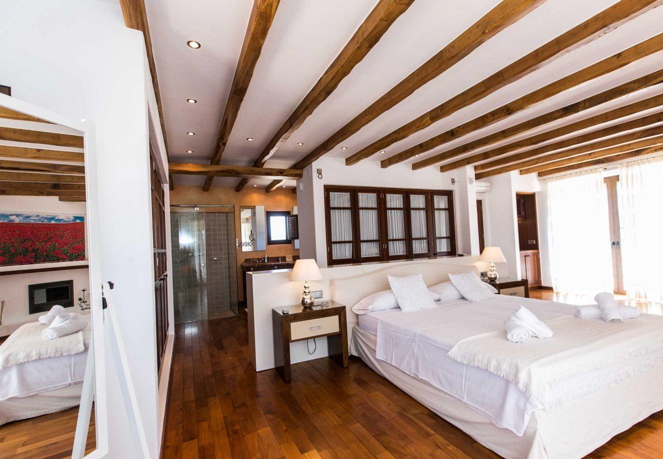 Villa in Santa Eulària des Riu - VILLA NUMY