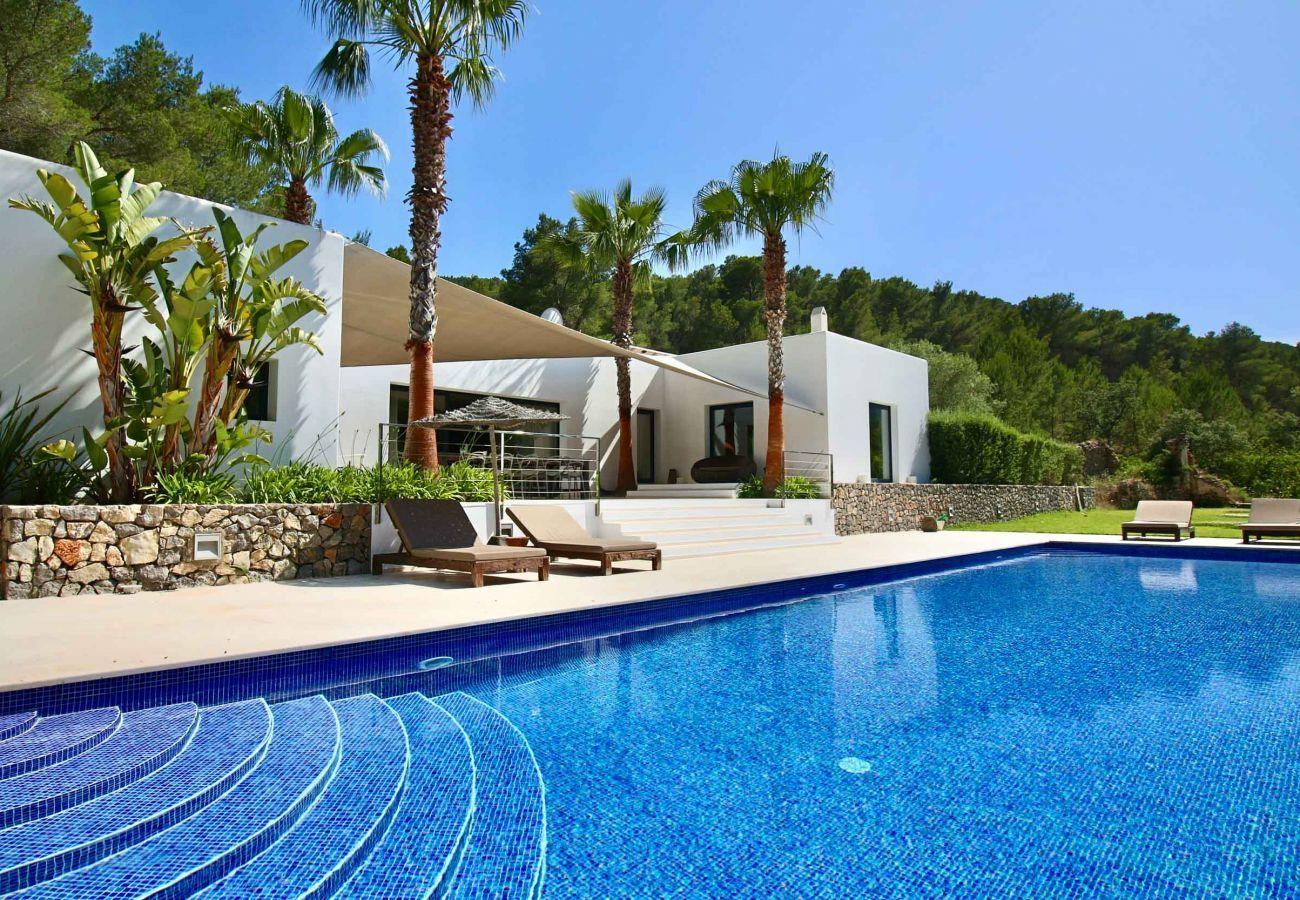 Casa Can Moon auf Ibiza und sein privater Pool