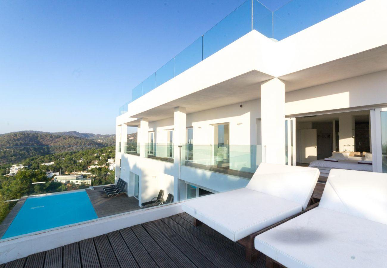 Villa in Sant Josep de Sa Talaia - LYNX ESTATE