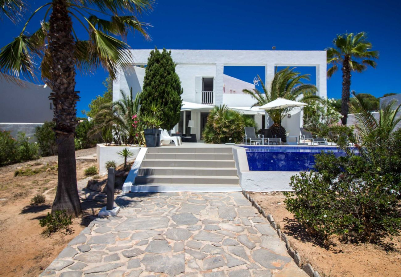 Villa in Sant Josep de Sa Talaia - VILLA AROLA