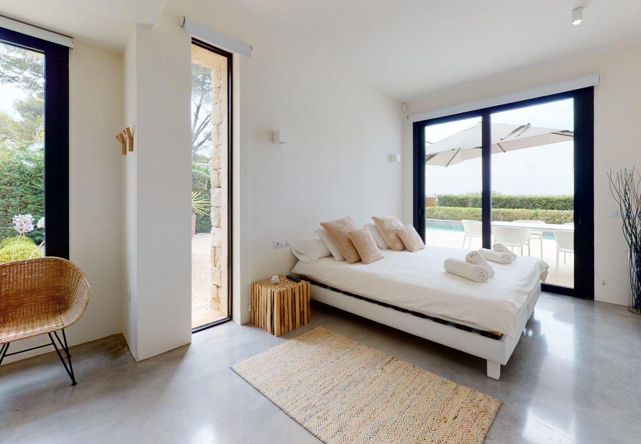 Villa in Santa Eulària des Riu - VILLA ALGARROBOS